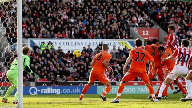 Peter Crouch of Stoke scores their second goal