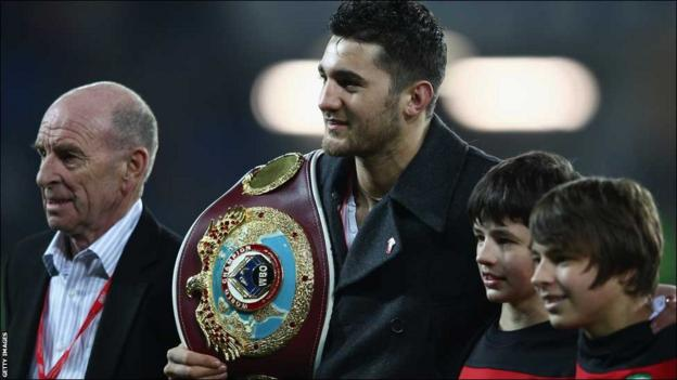 WBO light-heavyweight champion Nathan Cleverly pays his tribute to Gary Speed with Speed's family