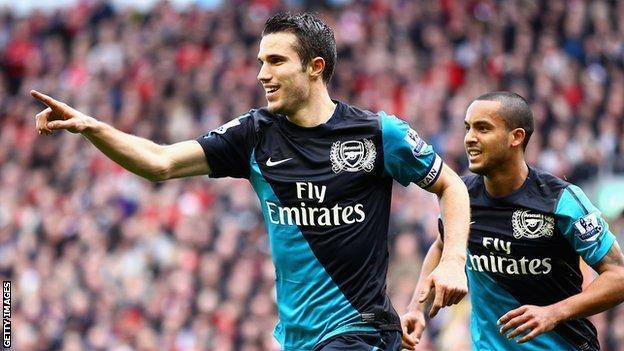 Robin van Persie celebrates scoring Arsenal's equaliser
