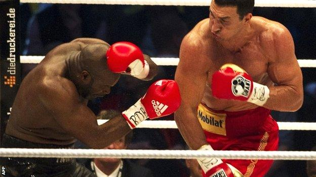 Wladimir Klitschko (right) knocks out Jean-Marc Mormeck
