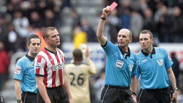 Lee Cattermole picked up the sixth red card of his career on Sunday
