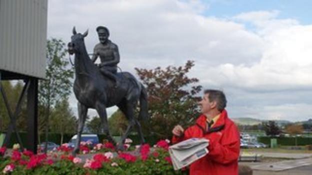Colin Onens and Dawn Run statue