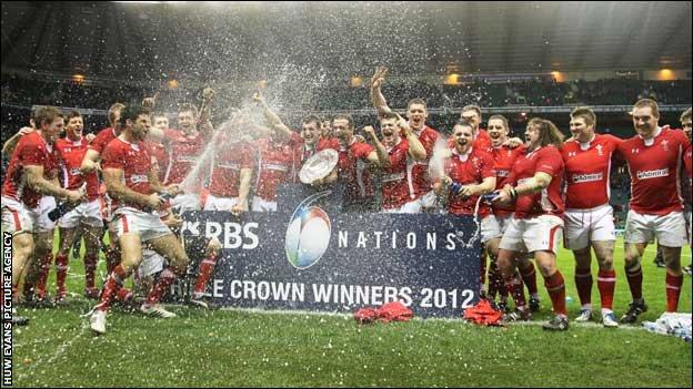 Welsh rugby team celebrate winning the Triple Crown