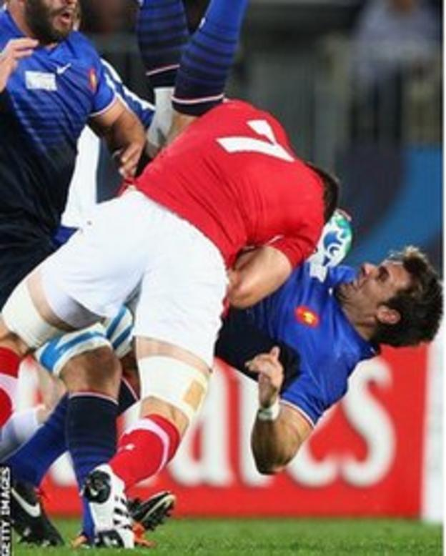 Sam Warburton was sent off for this tackle on Vincent Clerc