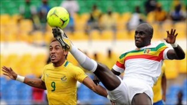 Co-host Gabon take on Mali in a 2012 Africa Cup of Nations quarter-final