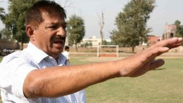 Coach Aslam Rodha by Bhas Solanki