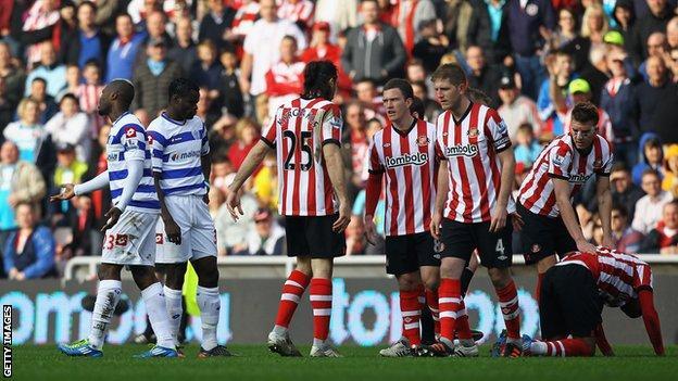 Djibril Cisse is sent off against Sunderland