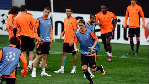 Chelsea team trains at the Estadio da Luz stadium in Lisbon