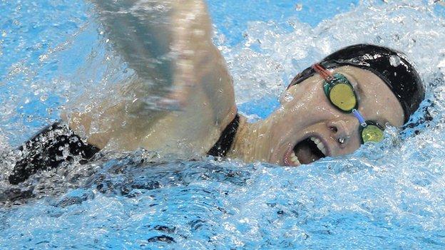 Britta Steffen swimming freestyle