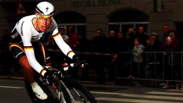 Tony Martin on his way to winning the World Championship Time Trial 2011
