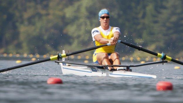 Frida Svensson rowing singlwe sculls