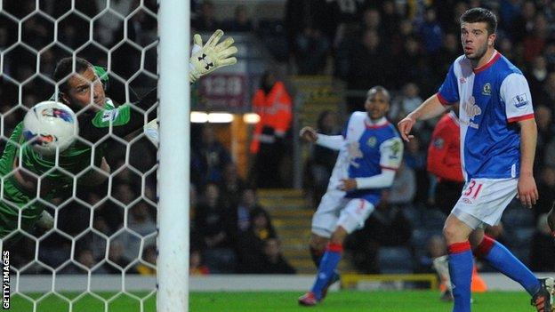 Antonio Valencia scores his goal