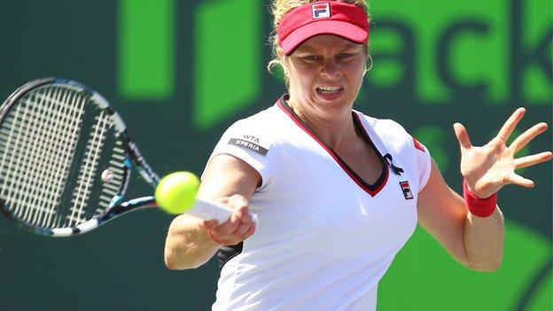 Kim Clijsters striking a forehand