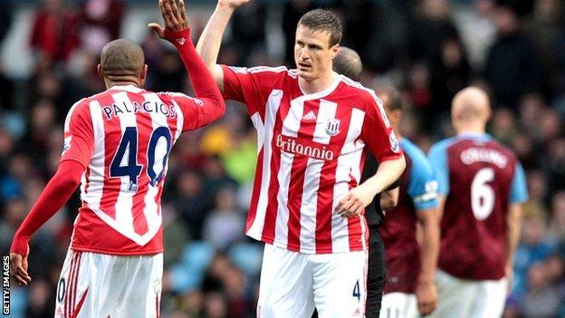 Stoke celebrate Robert Huth's equaliser against Aston Villa