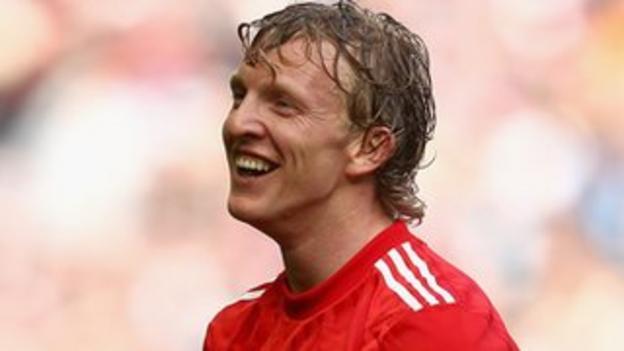 Liverpool striker Dirk Kuyt