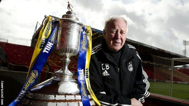 Aberdeen manager Craig Brown with the Scottish Cup