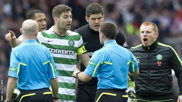 Kelvin Wilson, Charlie Mulgrew, Fraser Forster and Neil Lennon challenge officials at Hampden