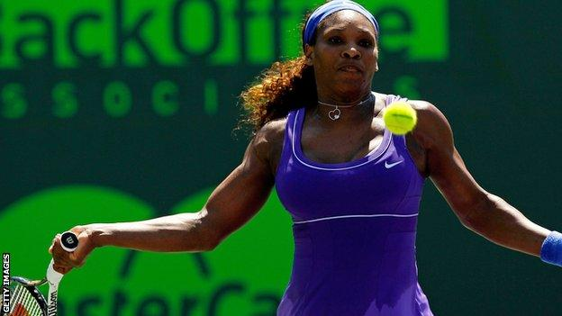 Serena Williams won twice to help the USA to a 5-0 win over the Ukraine