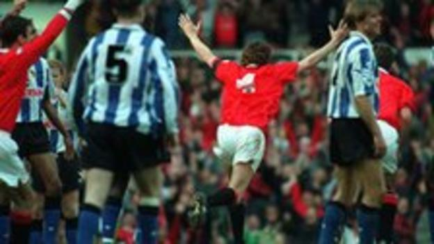 Bruce's late goals kept United one-point ahead in the title race