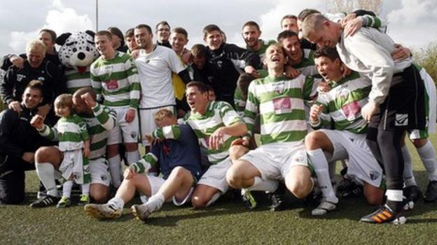 The New Saints celebrate following their title win