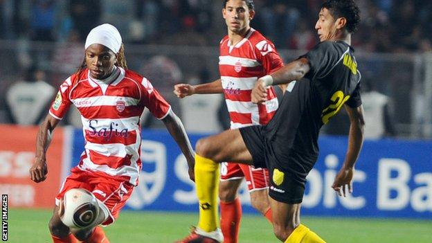 Club Africain's path blocked by a team of Swaziland police - BBC Sport