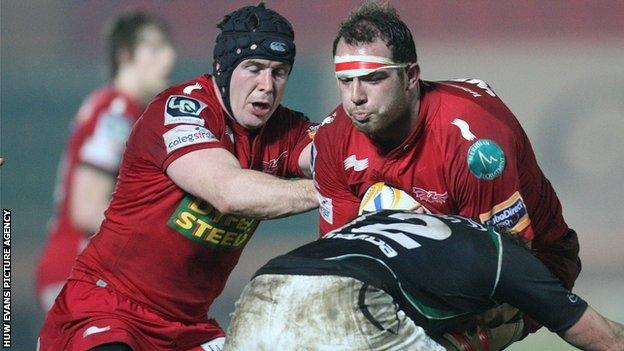 Lou Reed in Scarlets action