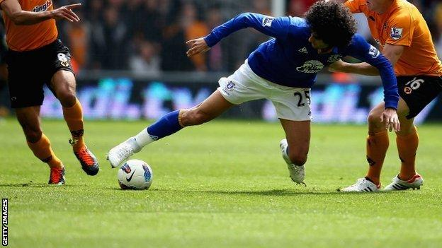 Everton's Marouane Fellaini
