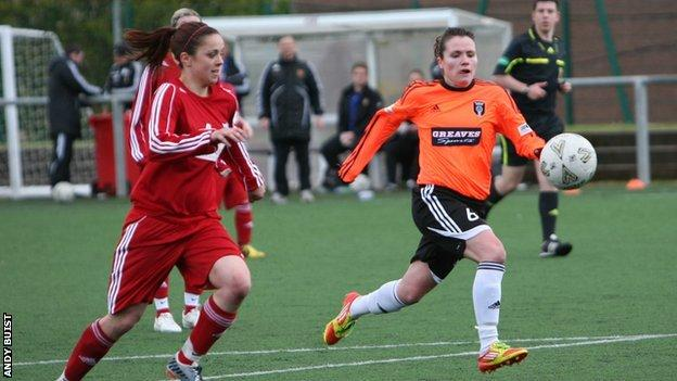 Jo Love in action for Glasgow City against Inverness City