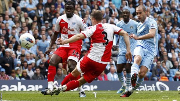 Pablo Zabaleta (right) scores for Manchester City