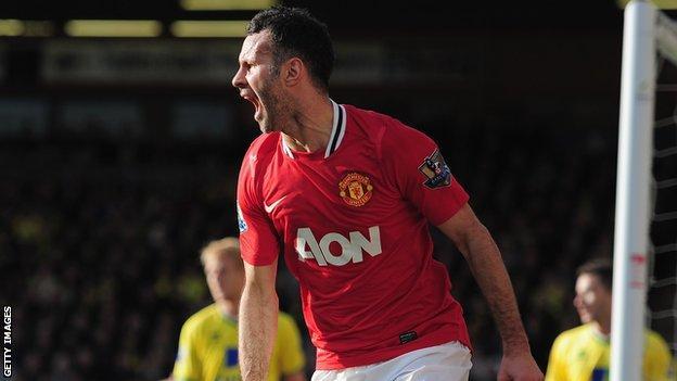 Manchester United midfielder Ryan Giggs