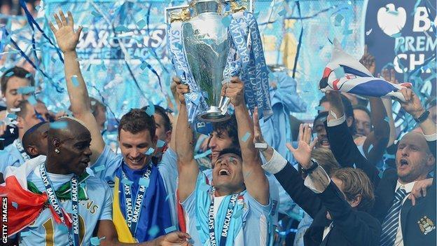 Manchester City FC win the 2011/12 Premier League title