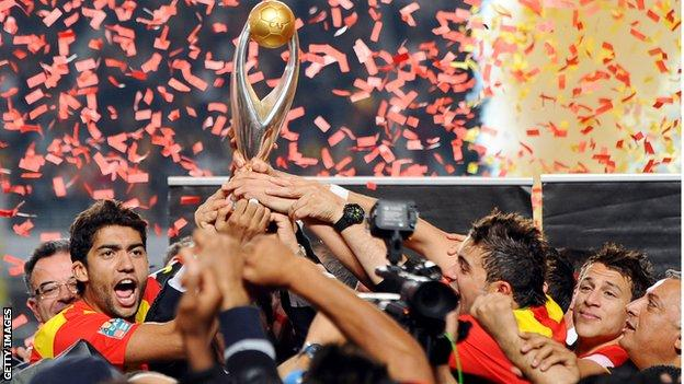 Esperance celebrate winning the 2011 African Champions League