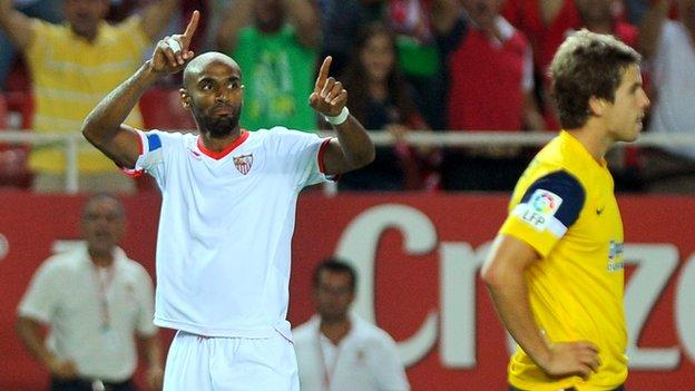 Fredi Kanoute in action for Sevilla