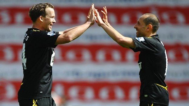 Kevin Davies and Martin Petrov