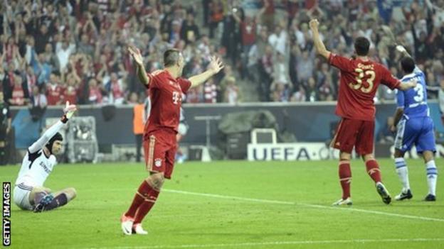 Franck Ribery's (second left) effort is ruled out for offside