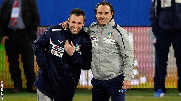 Antonio Cassano (left) and Cesare Prandelli