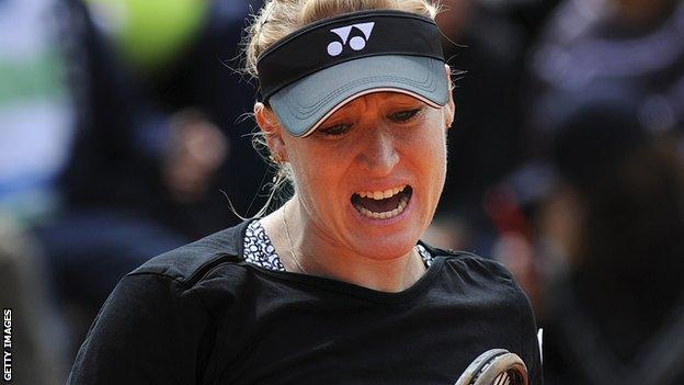 Elena Baltacha loses in the first round of the WTA Strasbourg International