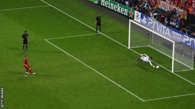 Petr Cech saves Bastian Schweinsteiger's penalty