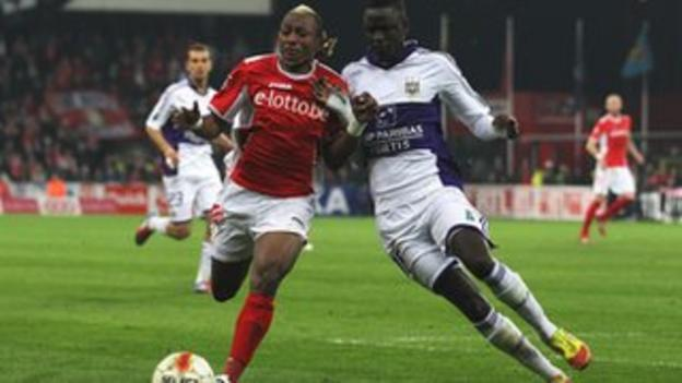 Mohamed Tchite and Cheikhou Kouyate (right)
