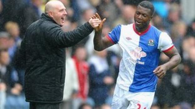 Yakubua Aiyegbeni with Blackburn manager Steve Kean