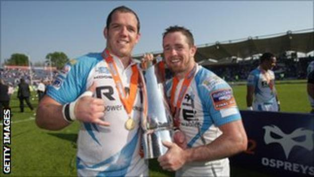 Paul James and Shane Williams (right)