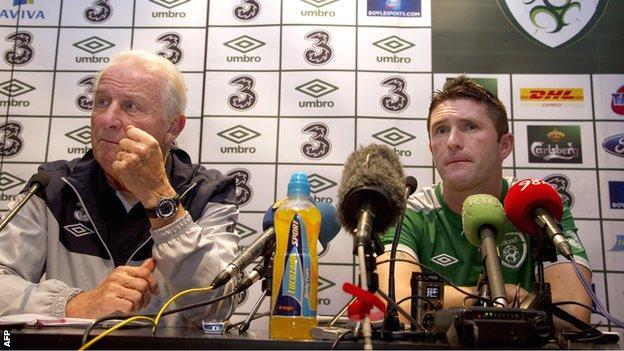 Republic of Ireland coach Giovanni Trapattoni (left) with captain Robbie Keane