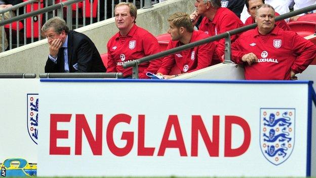 Roy Hodgson (left) in the England dug-out