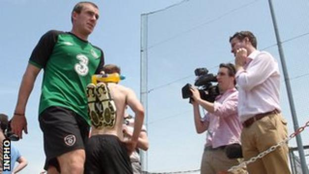 Richard Dunne at the end of an Ireland training session