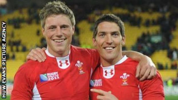 Rhys Priestland and James Hook