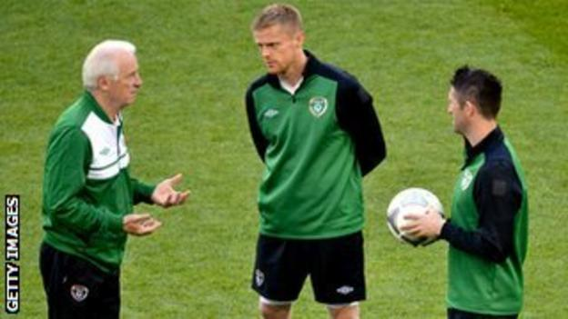 Giovanni Trapattoni has relied heavily on experienced players like Damien Duff and Robbie Keane, says Steve Staunton