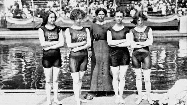 1912 4 x 100m women's relay team