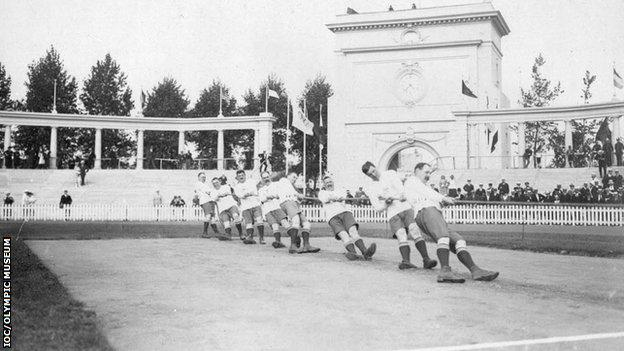 Great Britain tug of war team at Antwerp, 1920