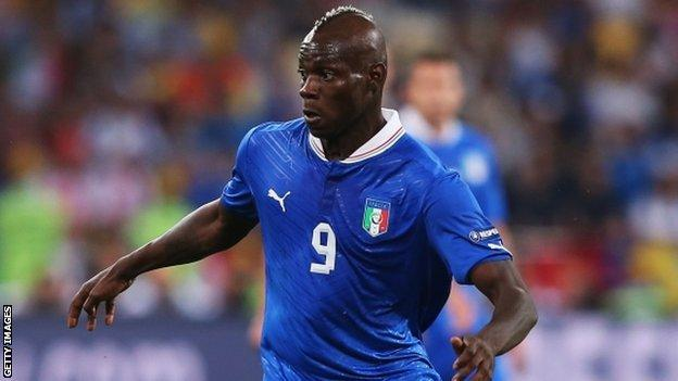 Euro 2012 Gazzetta Apologises Over Mario Balotelli Cartoon Bbc Sport