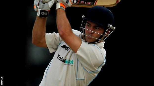 Warwickshire all-rounder Paul Best